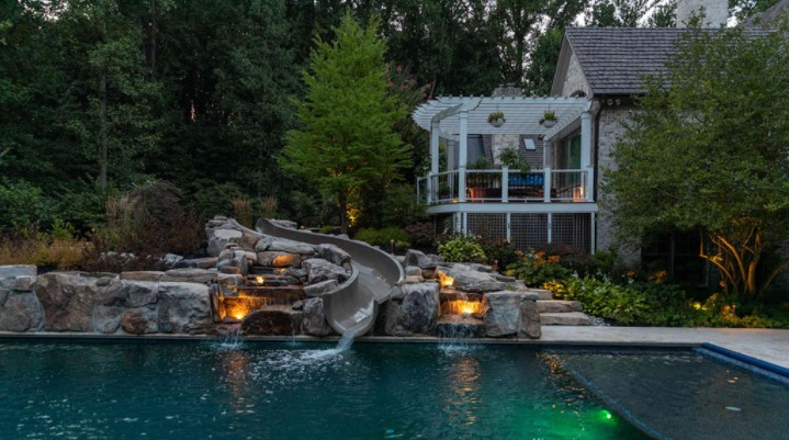 best swimming pool builder